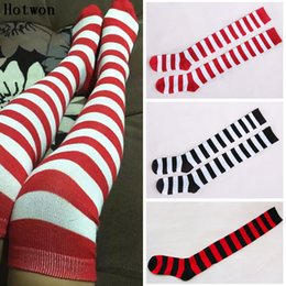 Горячие девушки высокие носки колена онлайн-1Pair New Women Girls Over Knee Long Stripe Printed Thigh High Striped Patterned Socks 3 Colors Sweet Cute Warm Fashion Hot Sale