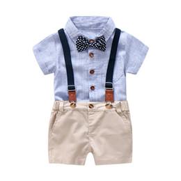 18 trajes de bebe 24 meses online-Baby Boy Juego de ropa de caballero Traje de verano para niños pequeños Formal Party Bow Body Set 0-24 Mes Infant Boy Ropa de rayas