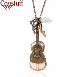 Гитарные украшения для мужчин оптом онлайн-Оптовая женщина ювелирные изделия мужчины заявление ожерелья подвески старинные деревянные гитара кулон длинное ожерелье женщины ошейники Чокеры