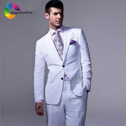 Trajes de hombre de boda de lino blanco Vestidos de novio Slim Fit Tuxedos  2 piezas (chaqueta + pantalón) Trajes de novio Best Man Prom Blazer barato  trajes ... 315050c9424