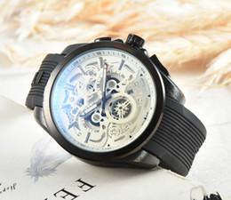 2019 relógio de aço crânio Luxo Cronógrafo Relógio de Quartzo dos homens Multifuncional de Aço Inoxidável Crânio Relógios Pequeno Mostrador do Trabalho Relógio de Pulso 15400 Frete Grátis relógio de aço crânio barato