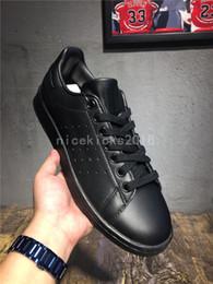 Scarpe sportive marche cina online-2019 New Stan Shoes Fashion Brand Smith Sneakers Scarpe casual in pelle Uomo Donna Sport Jogging Sneakers Classic Scarpe da ginnastica economici Cina Shoe