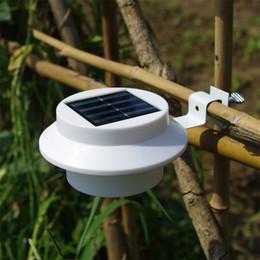 Iluminação conduzida ao ar livre da cerca on-line-Led Solar Ao Ar Livre Lâmpada de Cerca de Iluminação Ao Ar Livre Prático Luz Design Criativo Jardim Decoração Branco Luzes Da Parede 8nh Y RW