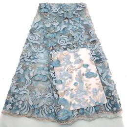 Deutschland Sky Blue Französisch Spitze Stoff 3D Blumen bestickt afrikanischen Tüll Spitze Stoff mit Perlen afrikanischer Spitze Stoff für Hochzeit cheap flowers sky Versorgung