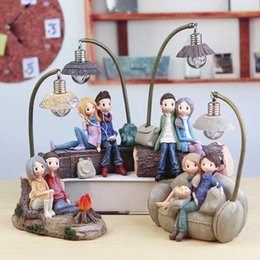 Wholesale Resin Boy Ornament - Resin craft couple character ornaments Creative boys and girls night light Store student gifts wholesale