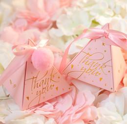 50 unids pirámide triángulo de papel cajas de dulces para la decoración de la boda Favores de la fiesta de cumpleaños gradiente de color caja de regalo de embalaje desde fabricantes