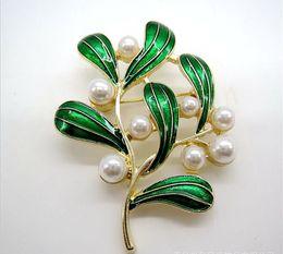Único broche de pérolas on-line-Broche de Roupas de cristal Francês original único esmeralda bela jóia com modelos antigos broche de esmalte vintage pérola verde folhas