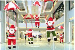 Décoration de Noël vieil homme pendentif, parachute, père noël, restaurant centre commercial hôtel divertissement lieu décorations de vacances ? partir de fabricateur