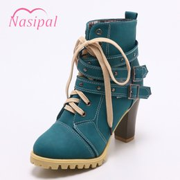Nasipal Fashion Rivets Studded Martin Boots Thick High Heels Lace Up Short  Boots Round Toe Platform Punk Style Sapatos Femininas 4cdcdca9ed39