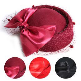 3 Cores de Casamento Chapéus Nupcial Acessórios Para o Cabelo Bow Birdcage Véu Fascinator Chapéus De Casamento Do Vintage Para Convidados Mãe Do Nupcial de