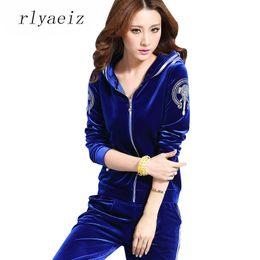 Ropa deportiva femenina online-RLYAEIZ Chándal de gama alta Mujeres 2017 Moda Tela de Terciopelo Impreso 2 Unidades Set Mujer Casual Hooded Hoodies + Pants Sportswear