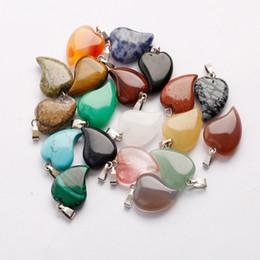 Argentina Hot Lovely Crooked Love Colgantes de piedra en forma de corazón Cristal de cuarzo mezclado Healing Charms Colgante para la joyería que hace el collar Pendientes gratis Suministro