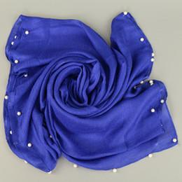2019 scialle di colore perla Moda Donna Wrap Scialli Scialle Lino Sciarpe Sciarpe Exquisite Faux Perle Mujer Bufanda Solid Color Echarpes scialle di colore perla economici