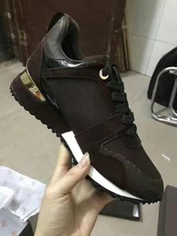 Wholesale Ocean Color Dresses - 2018 NEW Luxury brand leather Fashion Racing Runner Comfort Casual Dress Shoes men shoes genuine leather fashion Mixed color original box