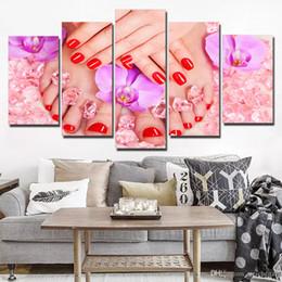 Dipinti di arte del chiodo online-Grandi 5 quadri di arte della tela di canapa di bellezza unghie rosse di arte per la decorazione della parete del manifesto della decorazione del salone Immagini decorative