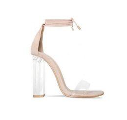 Zapatos de tacón de bloque rosa online-Pink Nude Faux Suede Tacones altos Sandalias de mujer PVC transparente Correa del tobillo Mujeres Bombas con cordones Bloques de tacones claros Zapatos