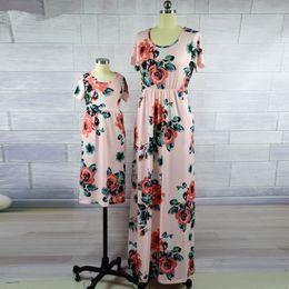 Vestidos de la madre e hija Moda estampado floral de manga corta Mamá y yo ropa trajes a juego de la familia hasta el tobillo vestido desde fabricantes