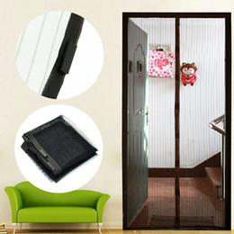 Malla de pantalla negra online-Verano contra mosquitos insecto mosca insecto cortinas escarpadas cortinas de malla magnética red de cierre automático de la puerta pantalla cortina de cocina envío de la gota
