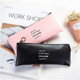 Vente en gros - Le plus populaire noir, rose étui à crayons en cuir à pois papeterie sac fournitures de bureau ? partir de fabricateur