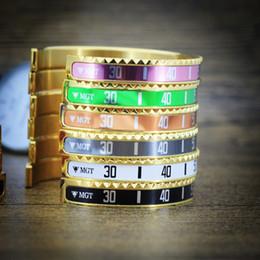 calcomanías de acero inoxidable Rebajas Pulsera del brazalete de las etiquetas del pun ¢ o del oro de las etiquetas del acero inoxidable del velocímetro de la moda