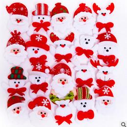 sankt blinkende weihnachtsbroschen Rabatt Führte Weihnachtsbrosche-Abzeichen-Dekorationen für Weihnachtsmann-Schneemann-Rotwild-Bären-Glühen-blinkende Brosche-Plüsch-Spielwaren-Geschenk TC181022 100PCS