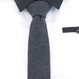 Laços de lã para homens cinza preto Gravata 5 cm Sólidos Magros de malha Laços Para Os homens de lazer fasion Acessórios Do Partido plana Gravata de Fornecedores de engrenagem camisas