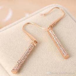 Ganchos de latón chapado online-De calidad superior de latón Henri Bendel pendiente de gancho con joyas de oro rosa diamante mujeres PS5696