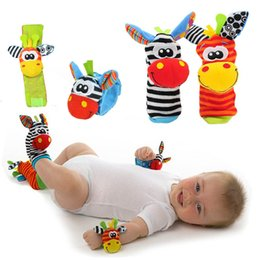 Wholesale Newborn Animal Socks - New Design Baby Boys Girls Toy Socks Baby Rattle Animal Foot Finder Socks Musical Wrist Strap Soft Children Funny Infant Newborn Plush Sock