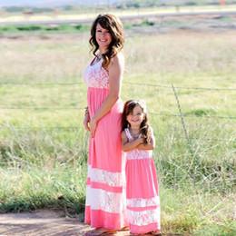 rendas casuais Desconto Mamãe e Me família combinando roupas mãe e filha vestidos de família combinando roupas crianças pai crianças Lace Patchwor vestidos Outfits