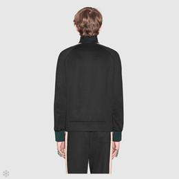 Deutschland Beste Version der Luxuxdesignermarke Herbstmänner, die roten grünen gestreiften Trainingsanzugbuchstabengewebebandreißverschlussklagen-Sweatshirt Sweatsuit kleiden supplier tape clothing Versorgung