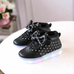 da02072793c5 New 2018 European cool kids sport sneakers LED lighted casual baby girls  boys shoes fashion children shoes boots