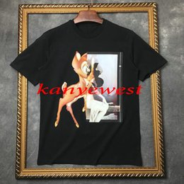 Yaz moda Lüks marka giyim erkekler kısa kollu geyik baskı t-shirt rahat Tasarımcı baskılı pamuk t gömlek erkekler tee t shirt tops nereden