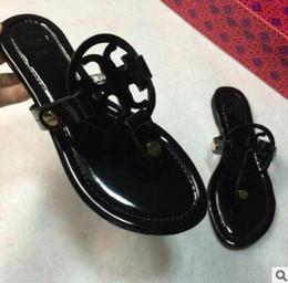 Wholesale famous flip flops - 2018 Black flip-flops shiny patent Genuine Leather Brand New Women Thong Sandals Summer Women Famous Flip Fllops