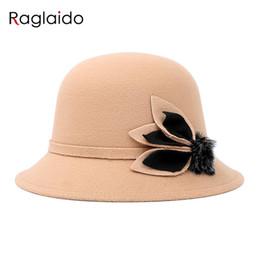 2019 chapéus de senhoras de poliéster Raglaido Folhas Brim Fedoras Chapéus de Feltro para As Mulheres 57 cm Moda Chapéus De Poliéster Chapéus Das Senhoras Chapéus com Pele LQJ01140 desconto chapéus de senhoras de poliéster