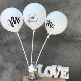 2019 globo de la novia 100 UNIDS / Lote 10 pulgadas Mr Mrs Just Married Team Bride Round Latex Balloon Boda del Día de San Valentín Bachelorette Party Decor Supplies globo de la novia baratos