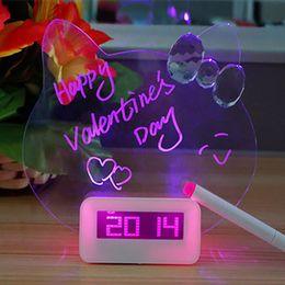2019 fern-portable alarm Digital Wecker LED fluoreszierende Message Board Stille Wecker Home Decor Desktop mit USB Port Rosa Blau M009
