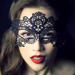 New Sexy Adorável preto branco Rendas Máscaras de máscaras do Dia Das Bruxas mulheres meninas Partido Máscaras Venetian Partido Meia Máscara Do Partido Para O Natal de Fornecedores de óculos linhas amarelas