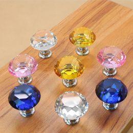 Perillas de diamante online-30mm Diamond Crystal Door Knobs Perillas de cajón de vidrio Kitchen Cabinet Furniture Manija Perilla Tornillo Manijas y tira GGA933