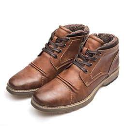 Argentina Botas para hombre 2018 Zapatos de invierno de la nueva moda Botas retro de la motocicleta gris Hombres cordones de calzado impermeable con cremallera cheap zip up shoes Suministro
