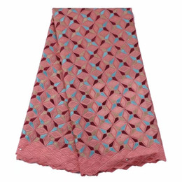 Grande merletto africano di cerimonia nuziale online-Nuovo design in pizzo di voile svizzero in cotone africano con strass per abito da sposa della Nigeria GYCL0027