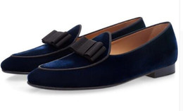 Sapatos belgas on-line-2018 Homens Sapatos de couro de Patente Bowknot Slip-on Oxfords mocassins Belgas Apartamentos de casamento Handmade Men Dress Shoes EU39-EU46