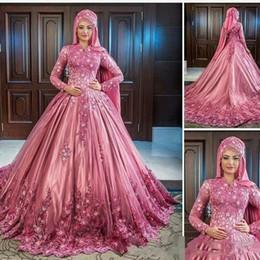 Klassische brautkleider online-Muslim Luxuriöse Handgemachte Blumenspitze Applique Stehkragen Lange Ärmel Satin Brautkleider Elegante Klassische Brautkleider