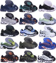 cba5871ec Novos Sapatos de Corrida Dos Homens TN Sapatos Vender Como Bolos Quentes  Moda Aumento Ventilação Sapatos Casuais Sapatilhas Sapatos, frete Grátis  cheap ...