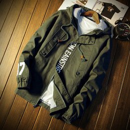 Chaqueta militar larga para hombre. online-Winter Red Bomber Thin Winter Jacket Men Waterproof Wholesale Men Tactical Military Jacket Abrigo de manga larga para hombres Casual Jack Version