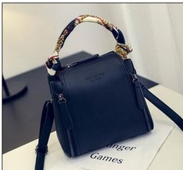 Wholesale Navy Blue Leather Handbags - Classic y-0 Leather black gold silver chain Free shipping hot sell Wholesale retail 2016 new bags handbags shoulder bags tote bags messenger