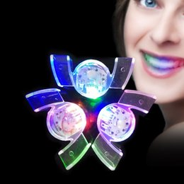 Wholesale Glow Mouth - Popular Flashing Mouth Colorful Glowing In The Dark Teeth Eco Friendly LED Light Up Braces For Halloween Party 2 6ml B