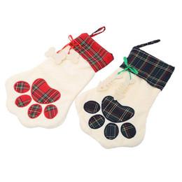 Calza di Natale Monogrammed Pet Dog Cat Paw Gift Bag Plaid Natale Calze Ornamenti per alberi di Natale Party Decor 2 Stili da danza figurine all'ingrosso fornitori