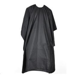 Capes de coiffeur en Ligne-Coupe de cheveux Coiffure Tissus Barbiers Coiffeur Grand Salon Adulte Imperméable Cape Robe Wrap Noir Coiffeur Cape Robe Wrap