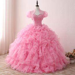 Vestido De Quinceaneras 2018 Rosa Quinceanera Vestido com Jaqueta Frisada Lantejoulas Vestidos de Baile Ruched 15 Quinceanera Vestidos De Cristal Organza Vestido supplier pink beaded jacket de Fornecedores de jaqueta de contas cor de rosa
