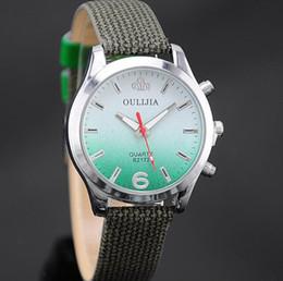 2019 montres couleur cool Haute Qualité Nouveau Contraste Couleur Cool montres Femmes Hommes Mode Petit Cadran Bracelet En Cuir Bracelet Hommes Montres montres couleur cool pas cher